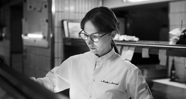 Portrait von Maike Menzel Chefköchin im Restaurant Schwarzreiter, München am 03. Mai 2018 ©moritzhoffmann.com